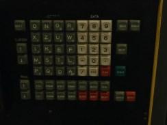 Een computertoetsenbord van lang geleden. Toch maar vreemd hoor!
