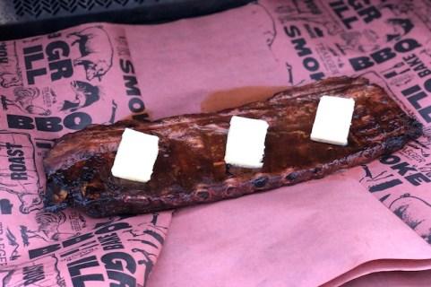 Steak-Out.dk - St. Louis Cut Ribs Kit pakkes med Smør og ÆbleJuice