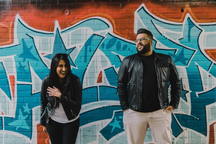 graffiti alley toronto golden light engagement