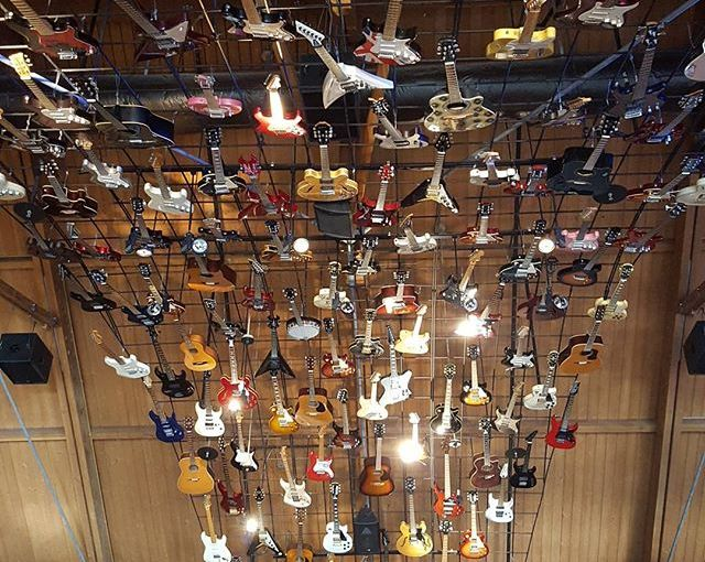 A Rainbow of Guitars