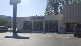 A desolate Chase Bank. Where are all the people? The tellers?