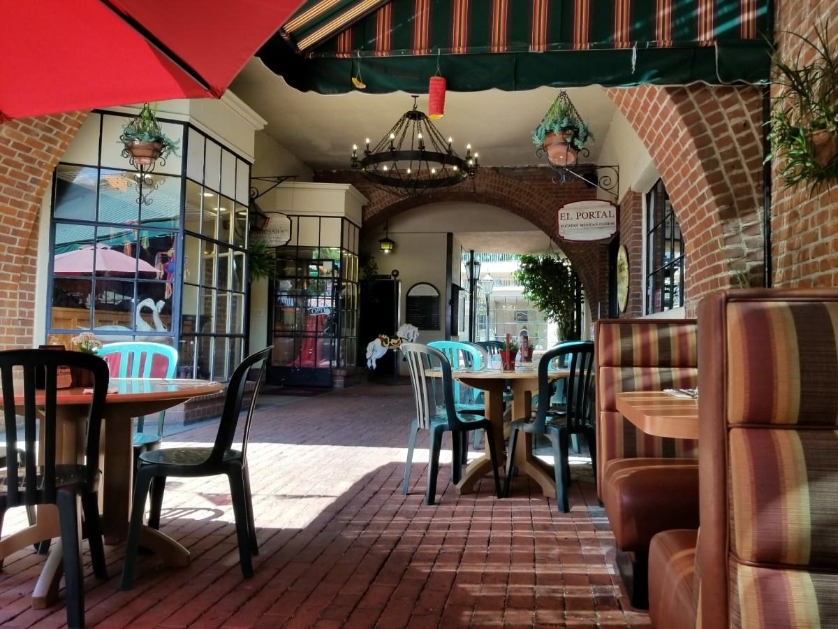 Checkin El Portal Restaurant