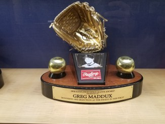 2008 Rawlings Gold Glove Award for Greg Maddux
