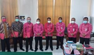 Wakili Bupati Bolmong, Tahlis Serahkan SK Plt Lima Pejabat Baru