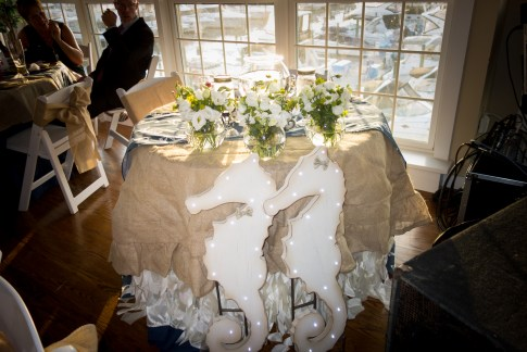 sweet heart table with seahorses