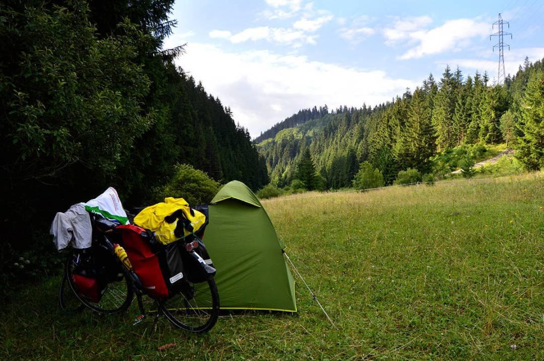 Locul de cort, în inima naturii