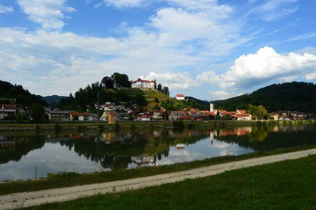 Mic castel pe raul Sava