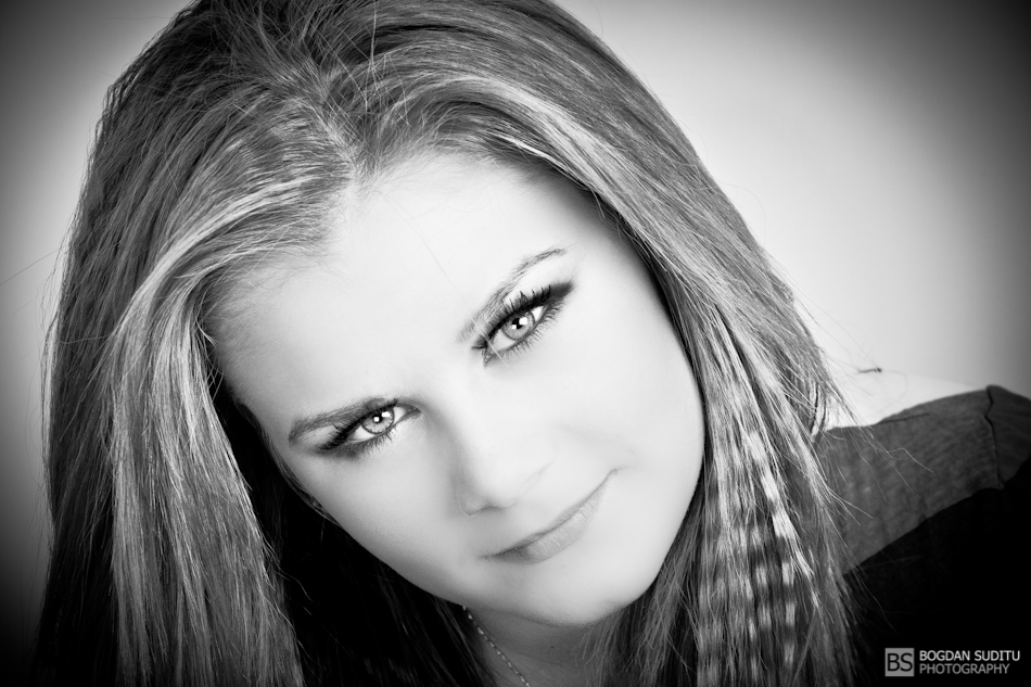 Andra in Black and White