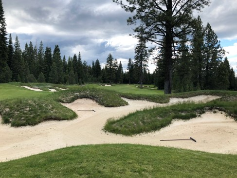 14th approach. There aren't too many of these rough-hewn bunkers on the course, but they sure are pretty/scary when you encounter one.