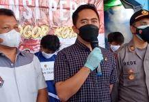 Kasat Reskrim Polresta Bogor Kota, Kompol Dhoni Erwanto saat mengungkao kasus tawuran di halaman Mall BTM, Rabu (22/9/2021).
