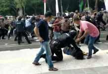 Tindakan Represif Aparat Kepolisian