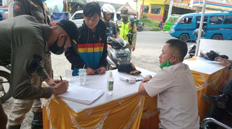 Chekpoint PPKM Kecamatan Cisarua Masih Kondusif