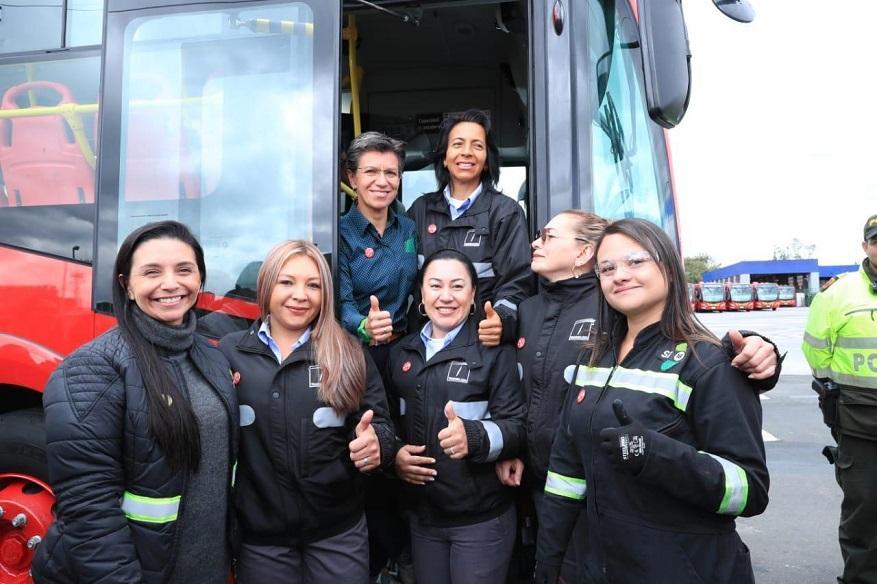 Nueva flota de TransMilenio genera menos contaminación - Foto: Comunicaciones Alcaldía / Diego Bauman
