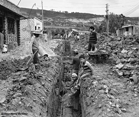 99-trabajos-acueducto-barrio-verbenal-saul-orduz-1980