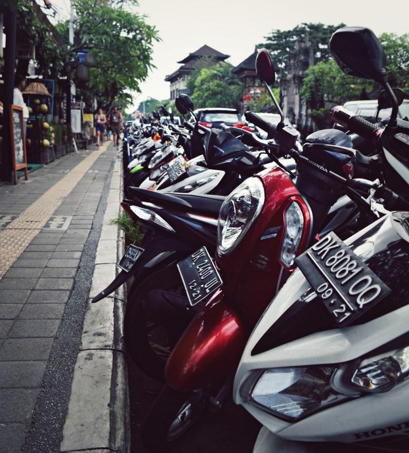 so many motorbikes ubud bali