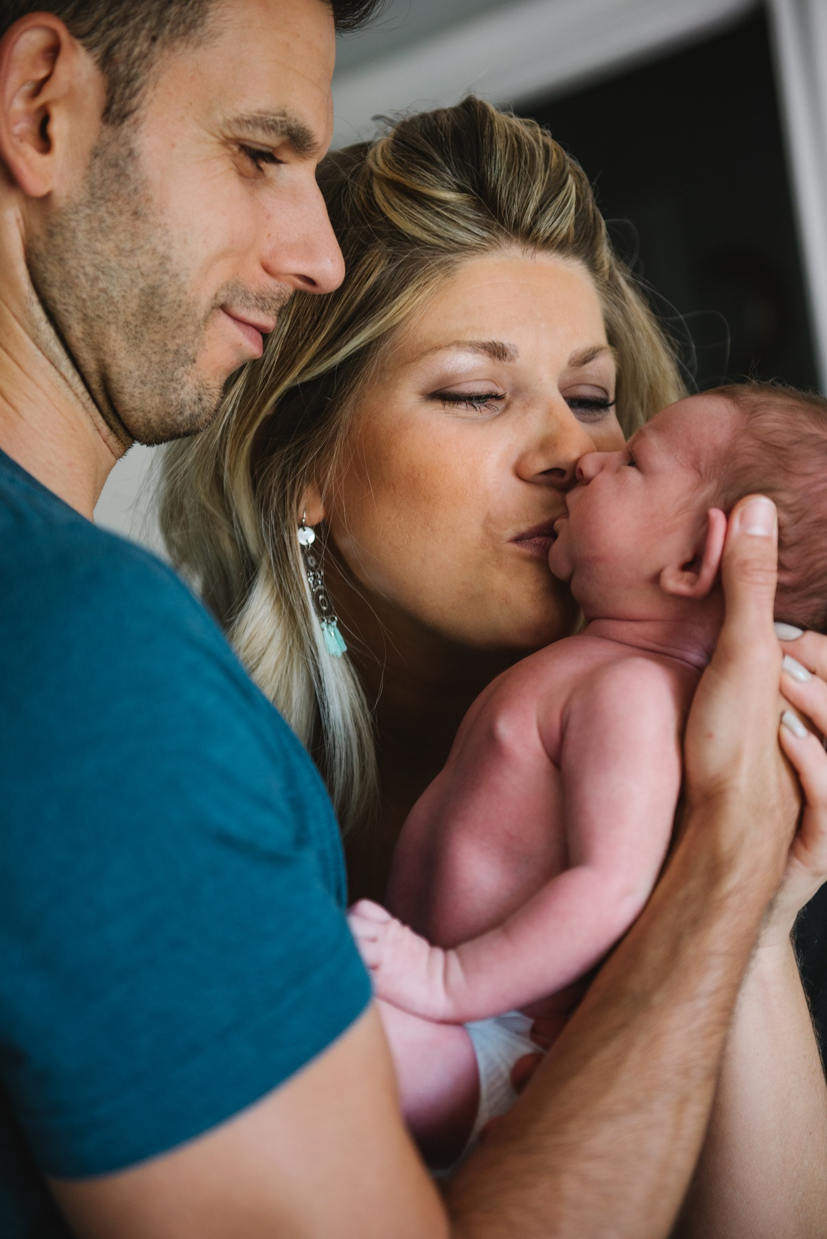 atlas newborn photoshoot 2 week old baby