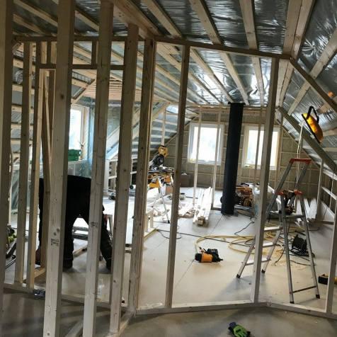 Innerväggar monterade innan veckans hemfärd