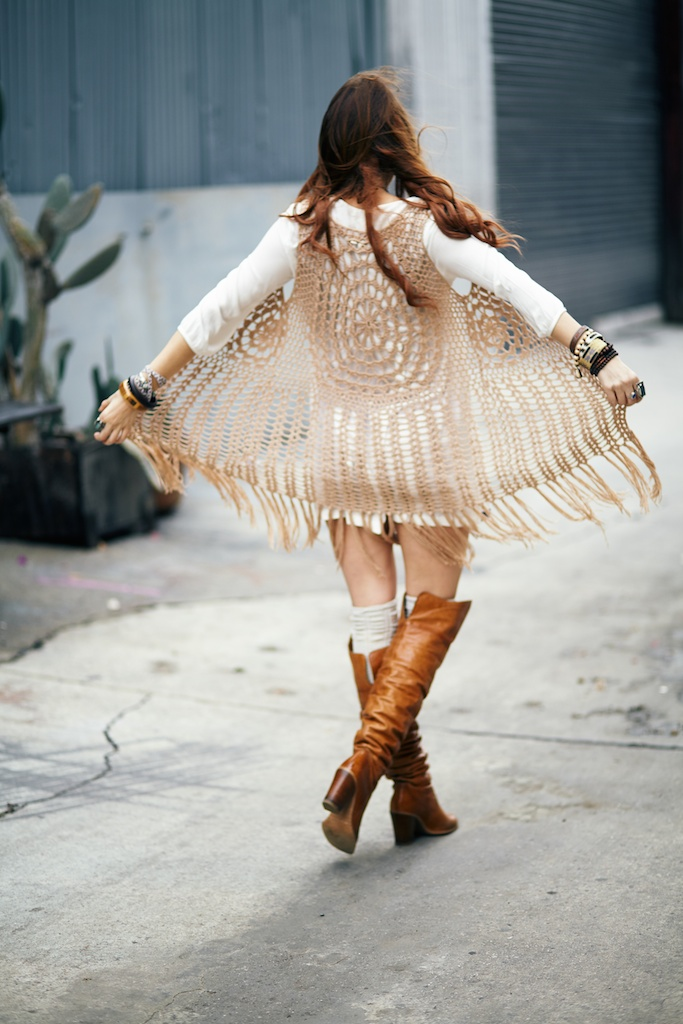 of-a muse-tunic-crochet-fringe-vest-boho-bohemian-fashion-blogger 23