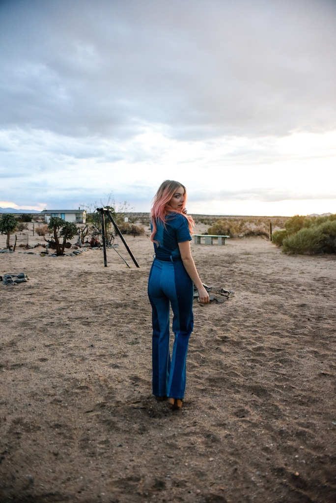 stoned-immaculate-denim-jumpsuit-vintage-70s-fashion-blogger-joshua-tree-overtone-color-conditioner-rose-gold-ombre-hair-extensions-boho-bunnie 31