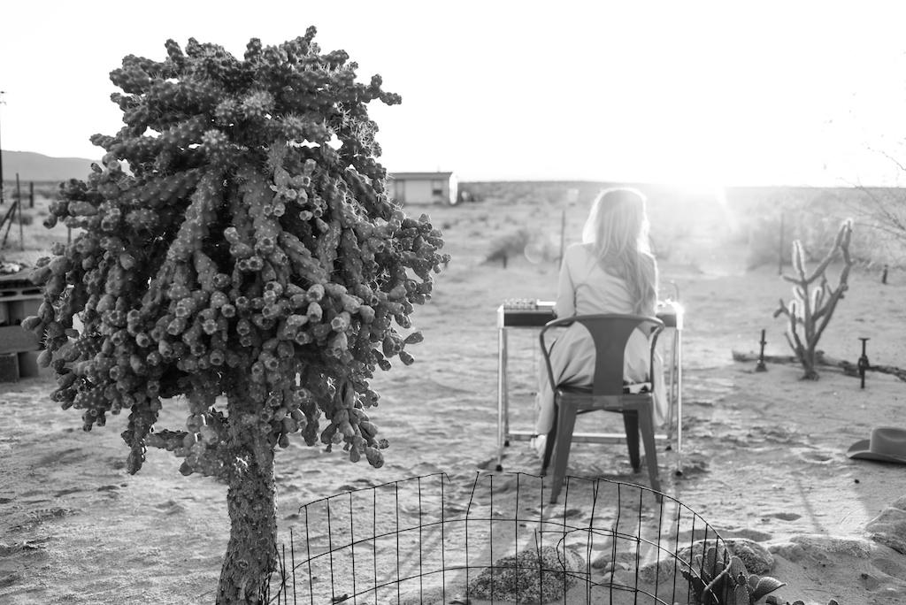 rockin-b-western-nudie-suit-dress-vintage-circle-skirt-fringe-boots-stetson-cowboy-hat-pedal-steel-guitar-female-player-boho-bunnie-joshua-tree-fashion-blogger-country-musician-andrea-whitt 12