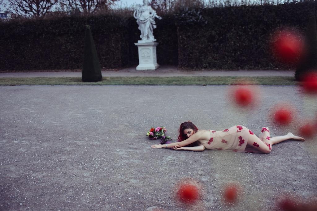 shop-tobi-boho-bunnie-sheer-embroidered-maxi-dress-belvedere-castle-vienna-austria-bohemian-couture-fashion-blogger-overtone-hair-color-extreme-red-36