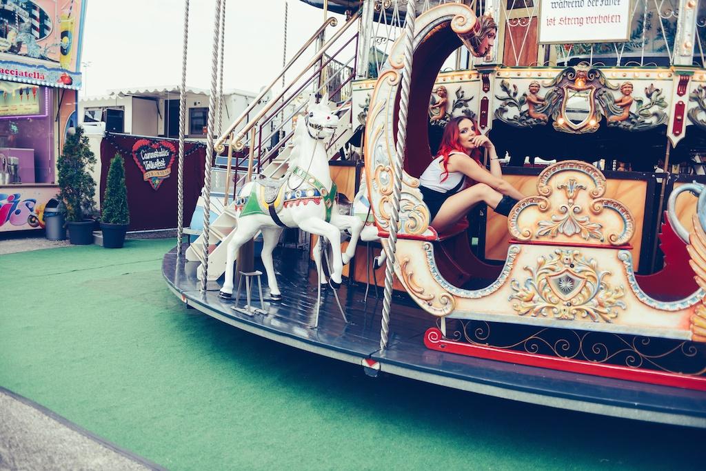 canstatter-volksfest-beerfest-oktoberfest-stuttgart-germany-white-crow-brand-fashion-blogger-overtone-travel-leiderhosen-ldir-lartigiano-riccione-boho-bunnie-23