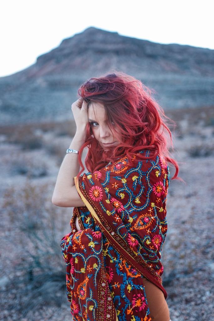 pachamama-bohemian-overtone-bohobunnie-smoke-bomb-fashion-blogger-vegas-poncho-shawl-indian-24