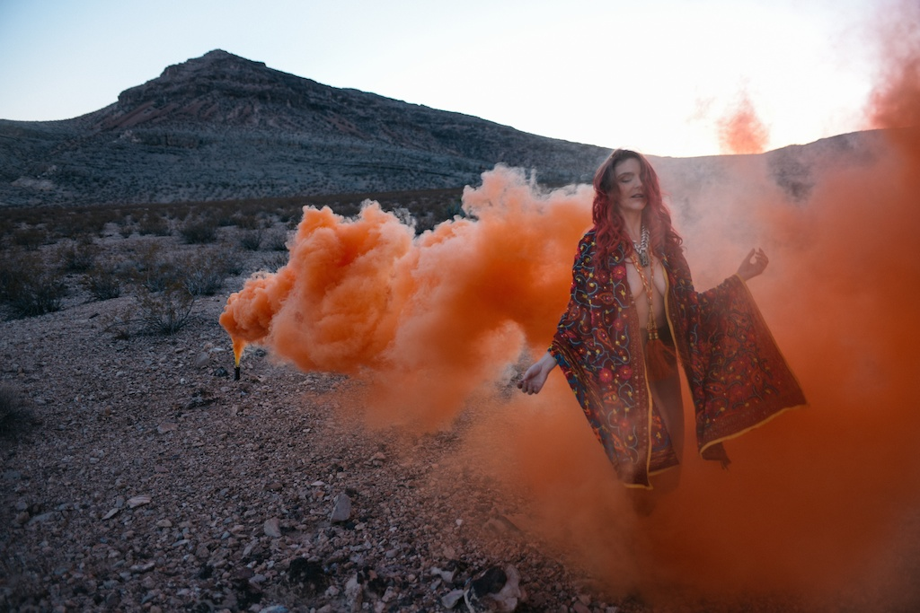 pachamama-bohemian-overtone-bohobunnie-smoke-bomb-fashion-blogger-vegas-poncho-shawl-indian-6