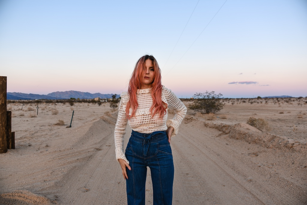 crochet-vintage-sweater-stoned-immaculate-rose-gold-hair-joshua-tree-fashion-blogger-desert-photo-shoot-ruffles-high-waist-denim-70s-style-boho-bunnie-1