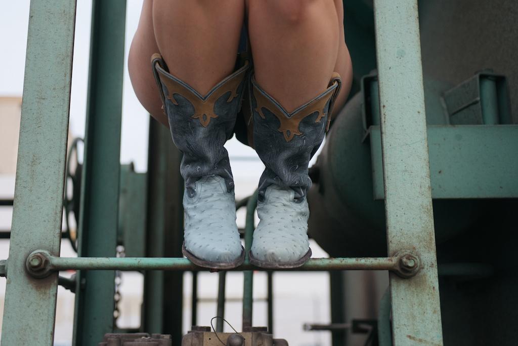 pantsu-pantsu-hand-stitched-panties-cactus-western-space-cowboy-boots-ostrich-overtone-hair-color-train-photo-shoot-fashion-blogger-las-vegas-23