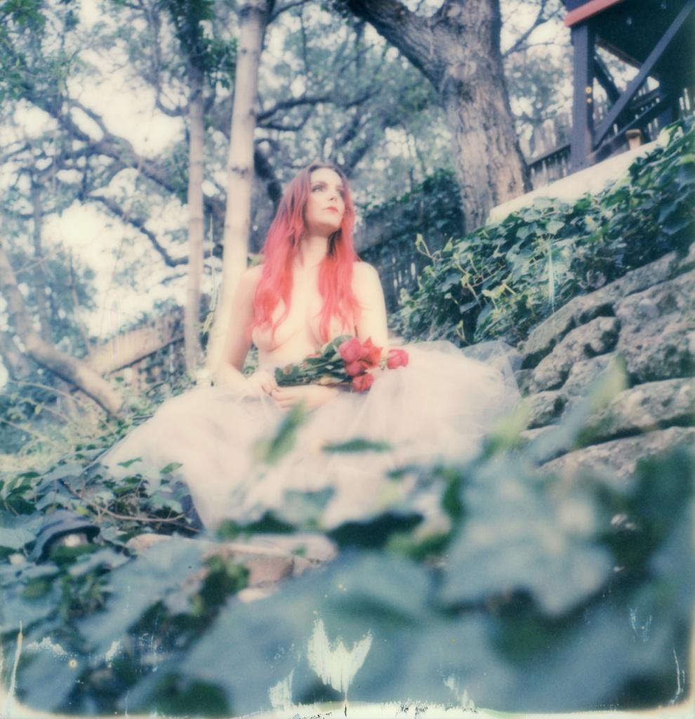 polaroid-impossible-project-violin-laurel-canyon-fashion-blogger-instant-film-vintage-violin-bohemian-valentines-day-photo-shoot-2