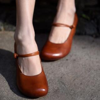 Artmu туфли на каблучке с ремешком