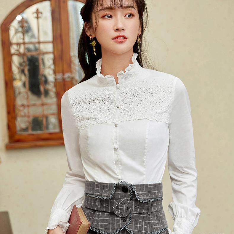 Блузка в ретро-стиле с шитьем (шоу-рум)