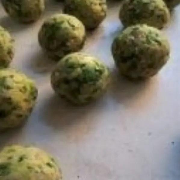 Meatballs with broccoli