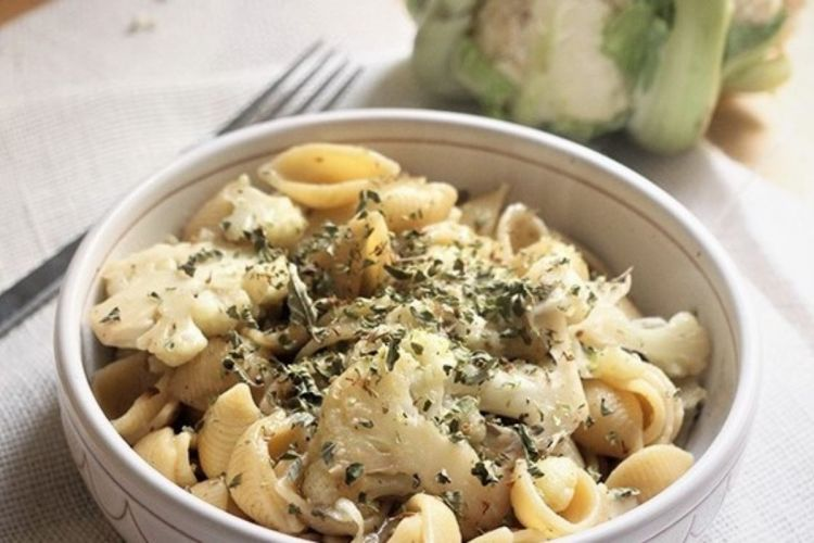 Pasta and cabbage