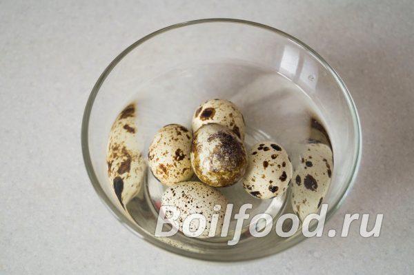 Охлаждаем перепелиные яйца в воде