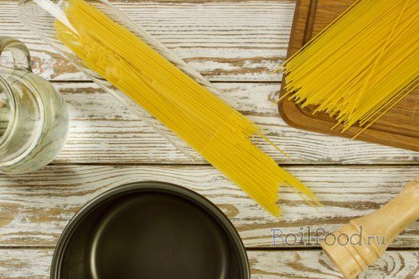 طبخ السباغيتي في طباخ بطيء