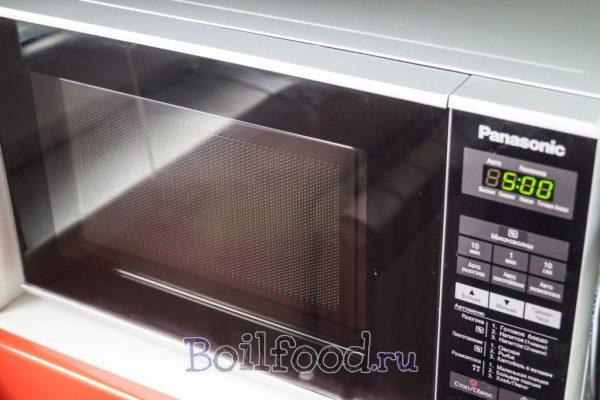 как варить картошку в мундире в пакете в микроволновке