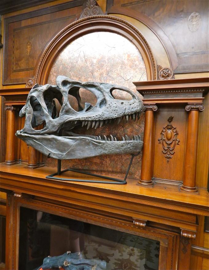 4_Fireplace Allosaurus