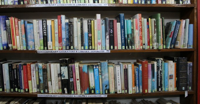 Pondok Pekak Shelves