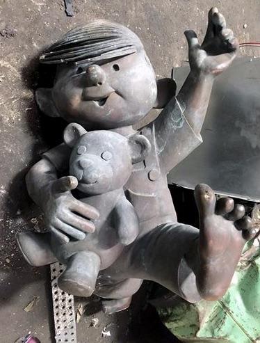 Dennis_the_Menace_Statue_PIC_copy