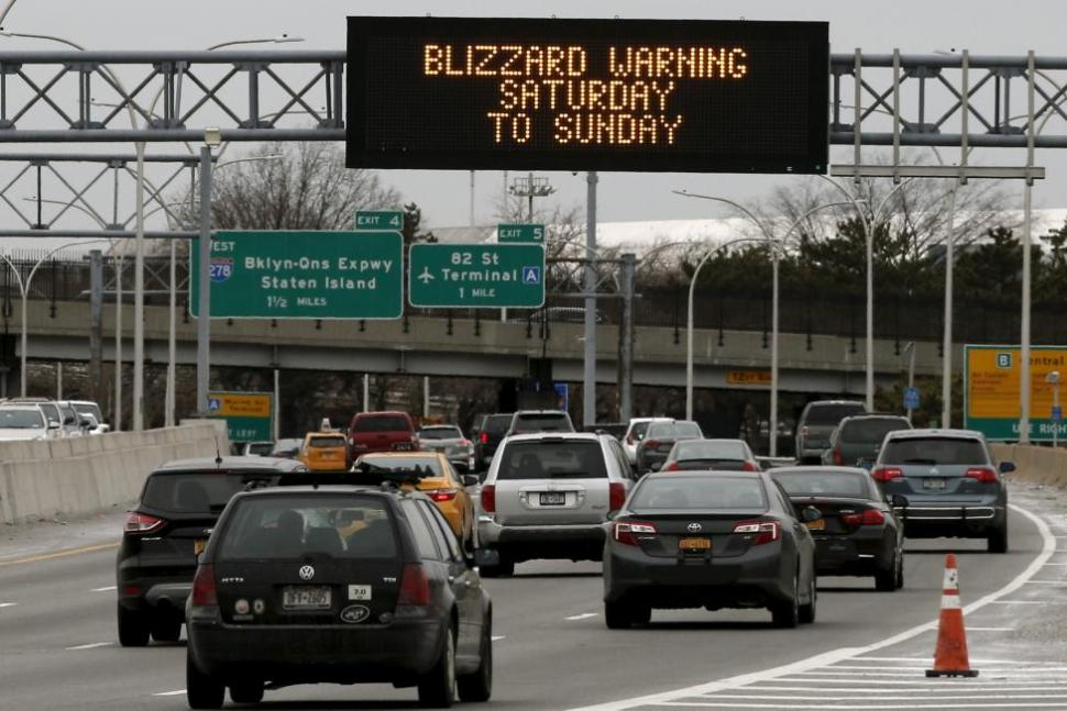 Grand Central Parkway near New York's Laguardia Airport, Jan. 22, 2016. REUTERS
