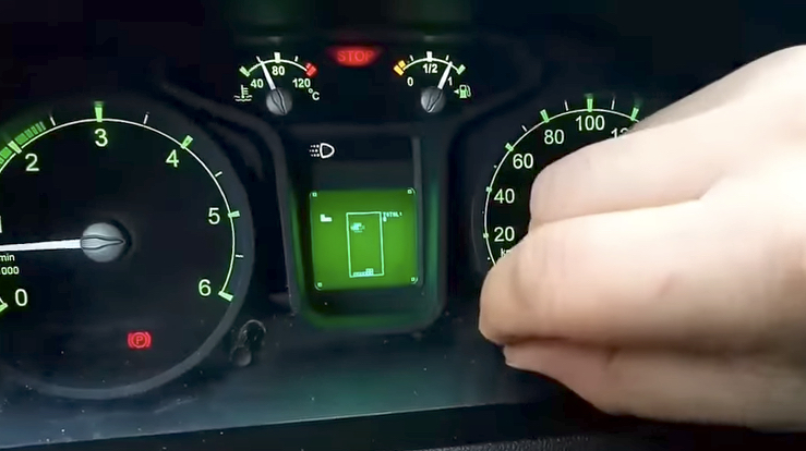 Russian van comes with Tetris built into the dashboard / Boing Boing