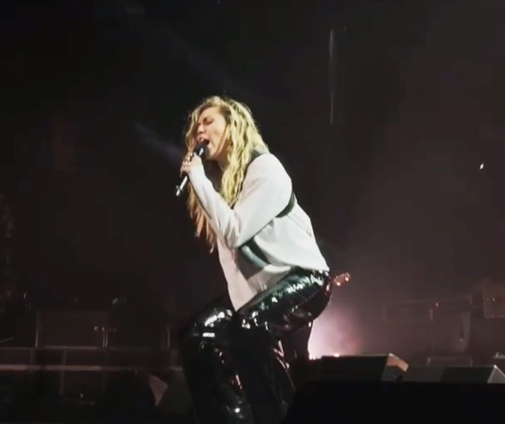 Watch Miley Cyrus belt out Temple of the Dog's