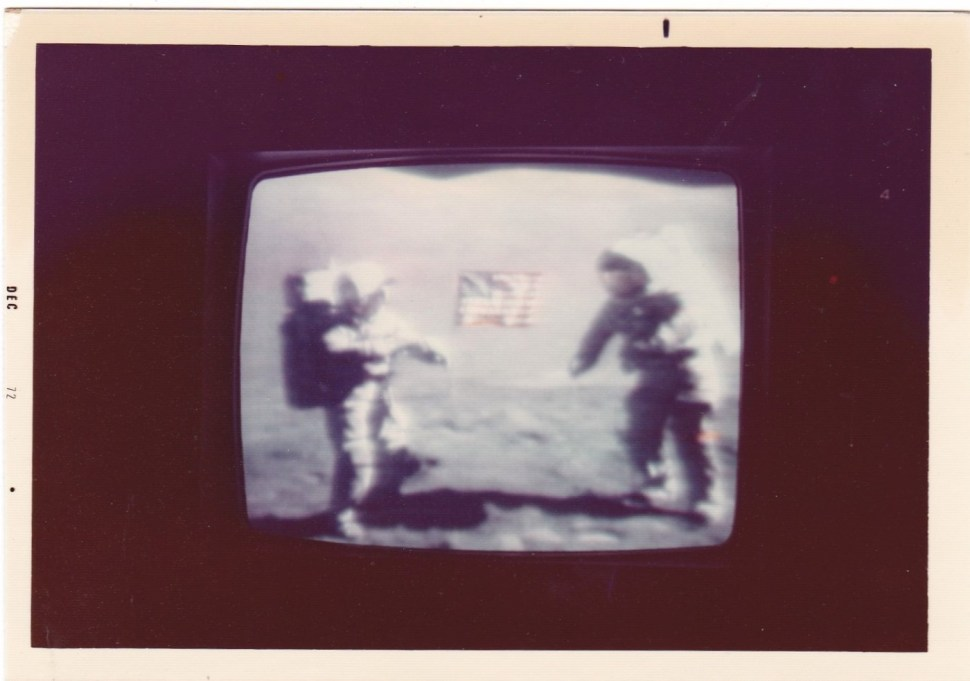 8f4e5818 ... of vintage snapshots related to the Moon. I've always gotten a kick out  of how TV viewers around the world used to snap photos of their screens to  ...