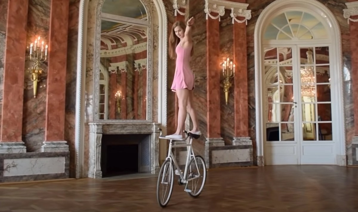 Impressive display of bicycle ballet | Boing Boing