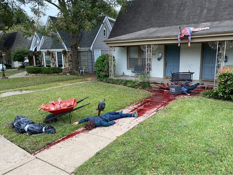 Dallas Halloween decorations prompt multiple police visits
