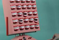 Photo of plastic teeth synthesizer, by Love Hulten