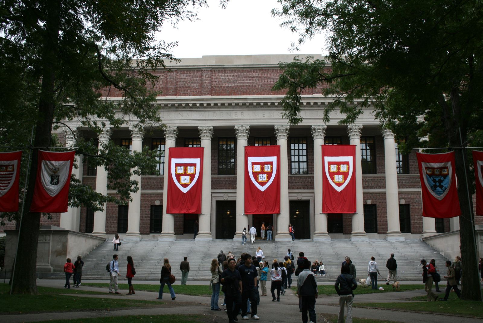 "Reporter says ""phishing attack"" tricked her into believing she got a professorship at Harvard"
