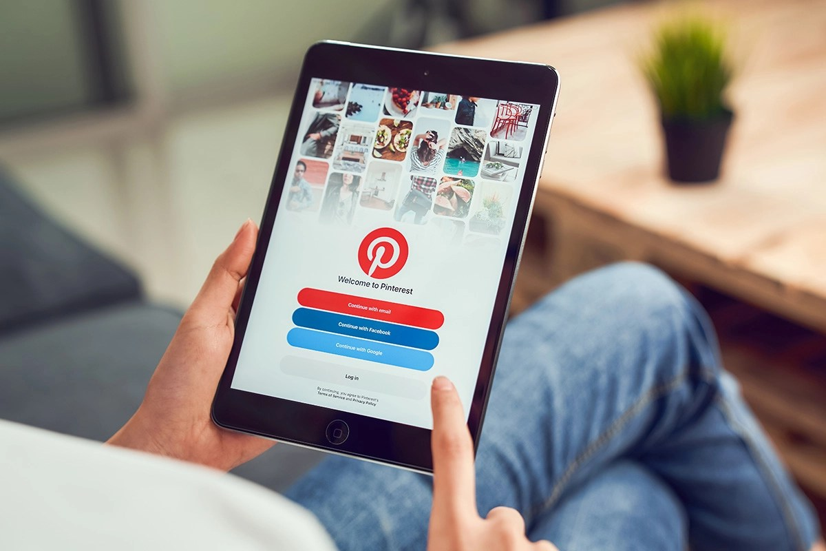 Learn how to build and market your brand on Pinterest with this training guide